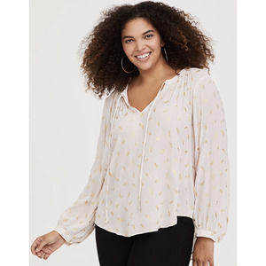 Torrid Ivory Feather Crepe Blouse Size 4